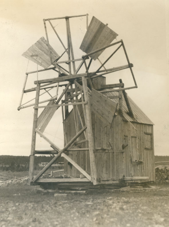 Old type of windmill use[d] for grinding grain at French Acadian settlement at West Chezzetcook. Hx. Co., N.S. (8 sails; 4 of them boarded over, & 4 for canvas)