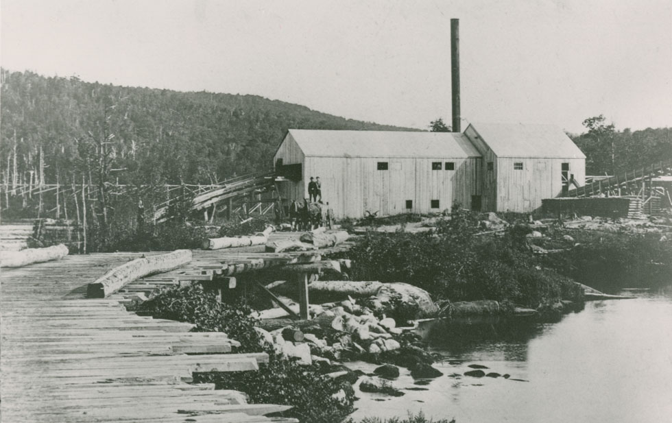 Stationary sawmill (one of Benjamin's in Hantsport?), Nova Scotia