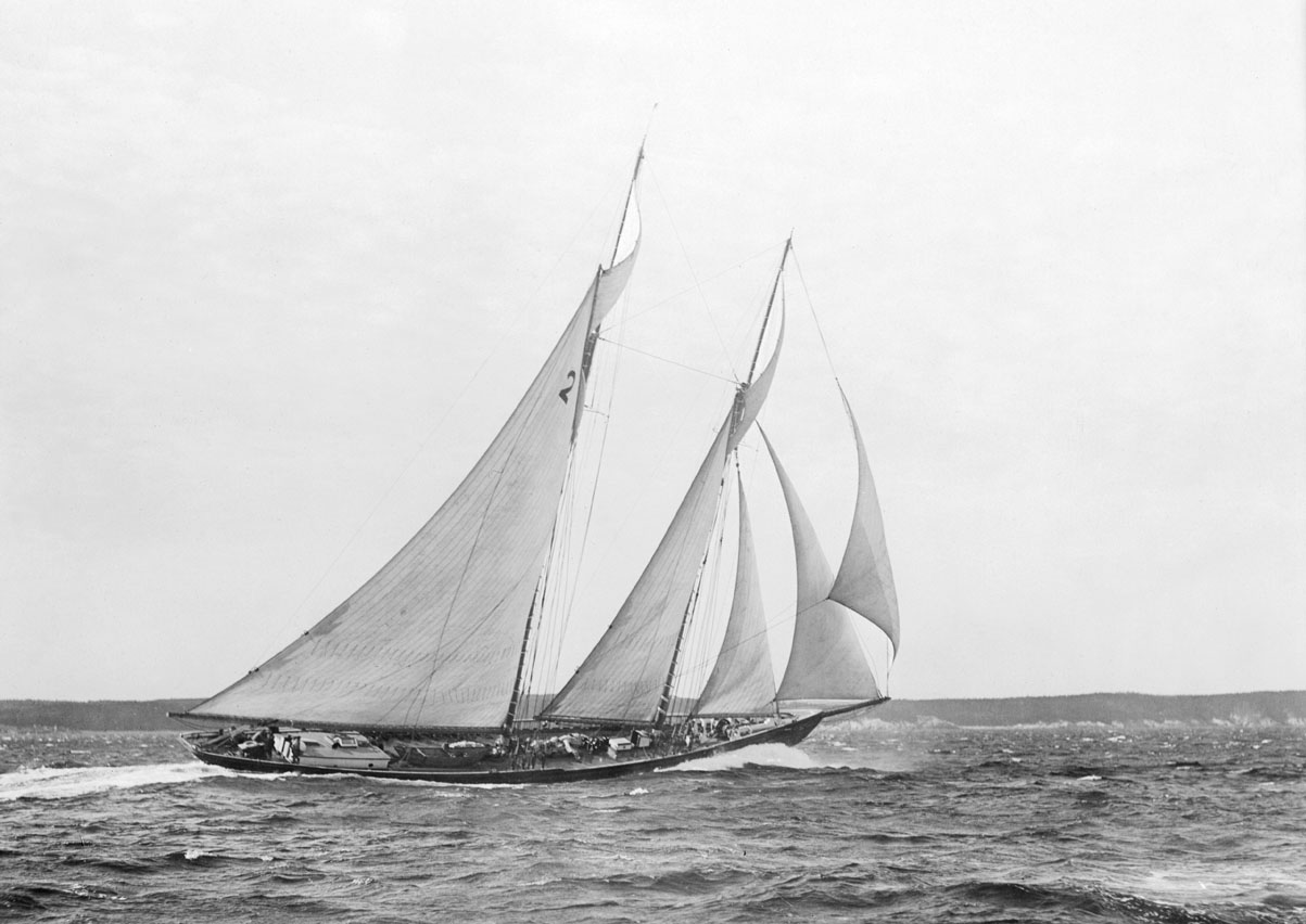 Schooner racing, 1922 <i>Canadia</i> 1922