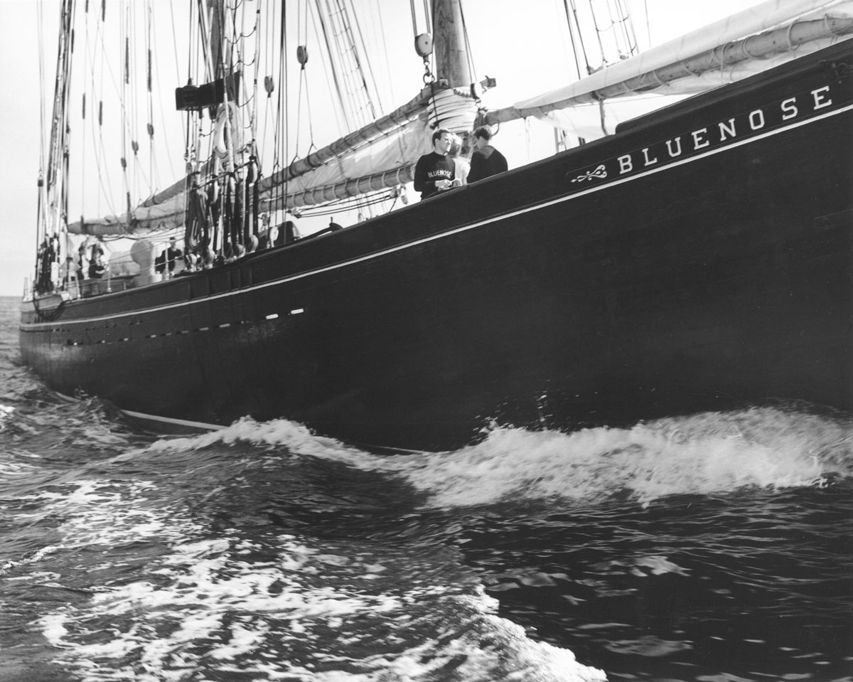 <i>Bluenose II</i> from starboard at sea