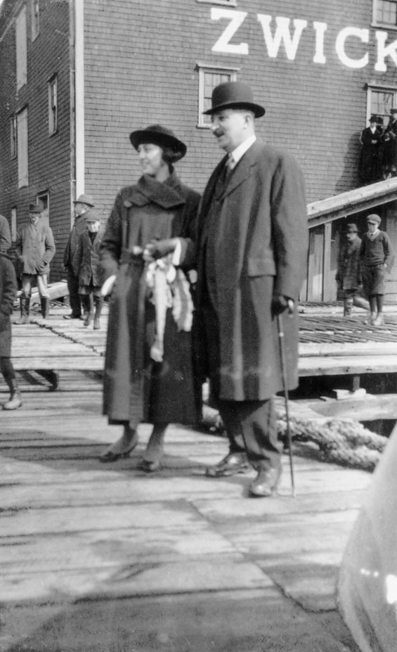 Mayor William Duff and Miss Audrey Smith