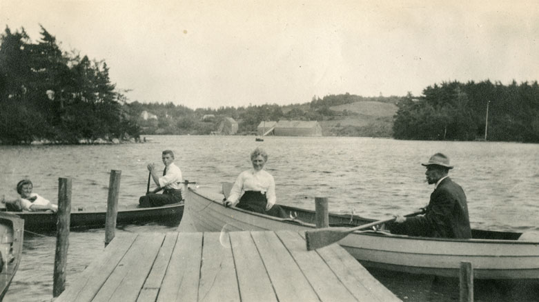 Helen, Terry, Mother, Father Alice and Charles Creighton, Dartmouth Lakes