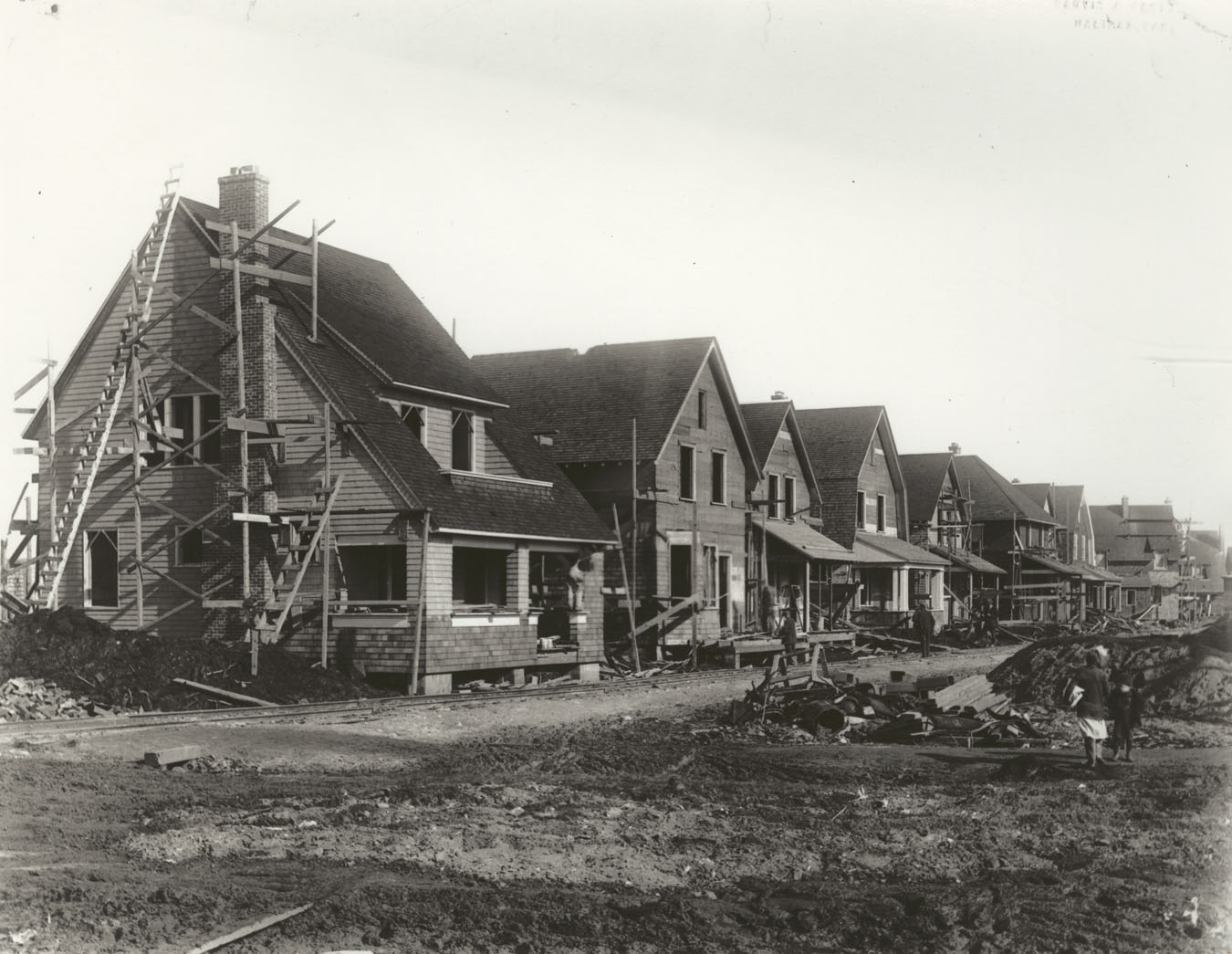 Halifax Relief Commission houses under construction at the corner of Kaye and Robie streets, Halifax