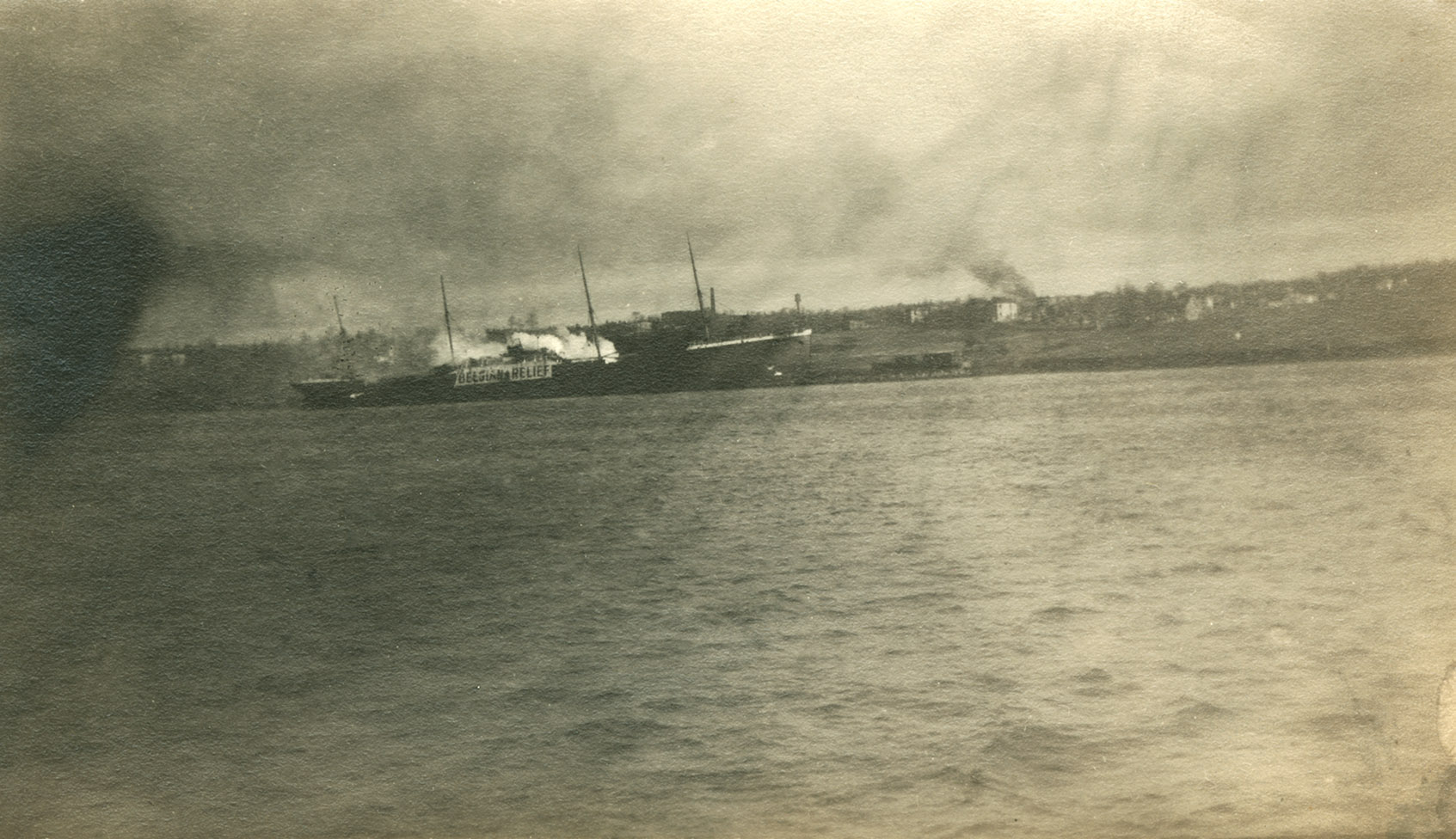 Explosion : Norwegian steamship Imo</i> in the harbour after the Explosion