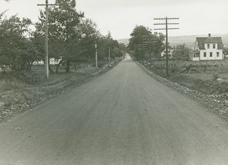 Middleton - Bridgetown Route No. 1, west Lawrencetown, looking east