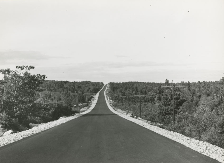 Highways : Birchtown - Atwood Brook, Pavement between Clyde River and Birchtown