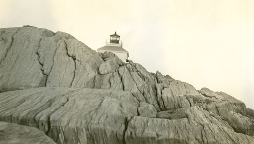 Lighthouses : Sheet Harbour Rock