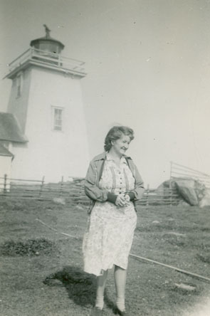 Evelyn Richardson, Bon Portage Island