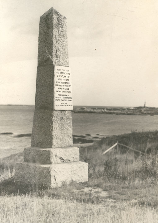 Memorial to those who perished in the wreck of the SS <i>Atlantic</i>, 1 April 1873