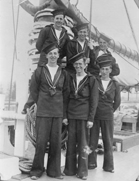 Crew of <i>Bluenose</i>