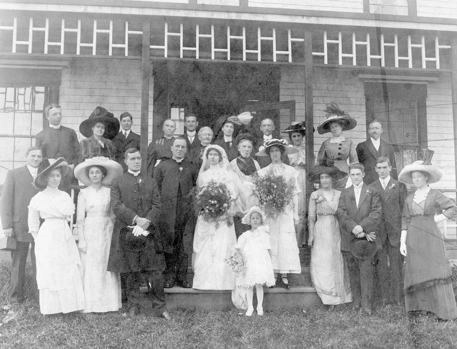 Wedding of the Rev. Willoughby Goddard-Fenwick and Miss Ella Major in Sackville, NS, 1912