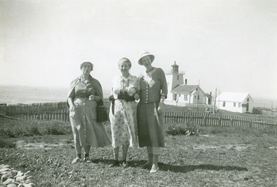 Evelyn Richardson and visitors to Bon Portage Island