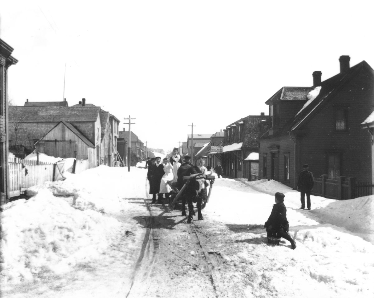 Pelham Street with children in winter