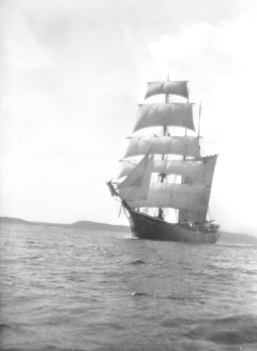 Barquentine <i>Maid of England</i>