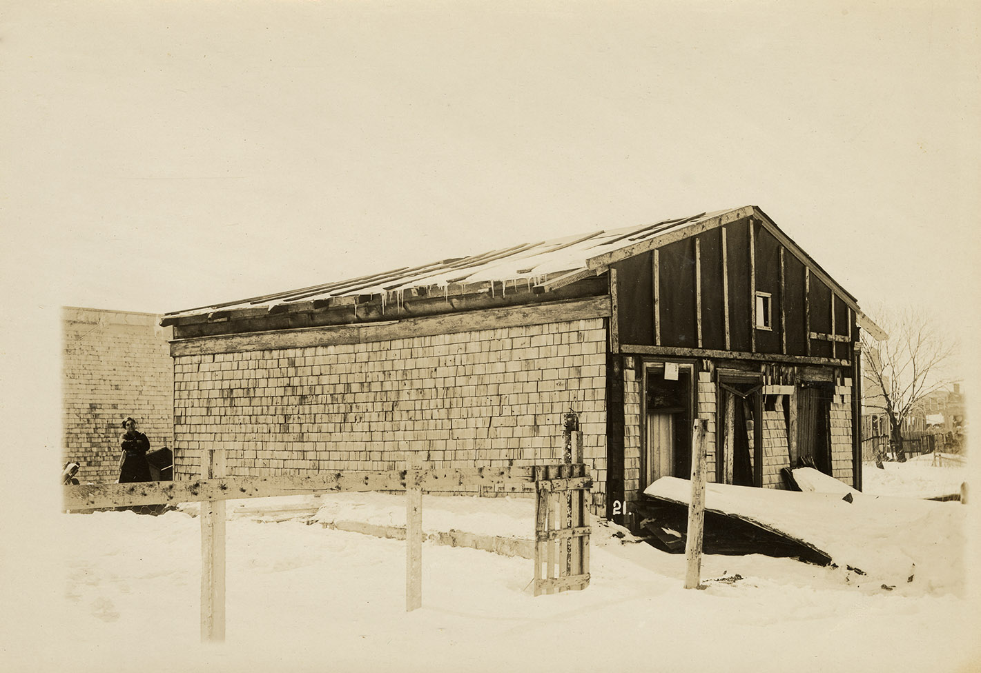 Unidentified Building, MacLaughlan album 1 number 21
